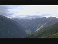Panorama-Blick auf den Alpen-Hauptkamm