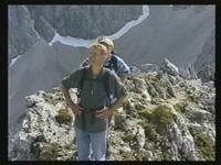 Schmaler Grat mit steilen tiefen Abgründen