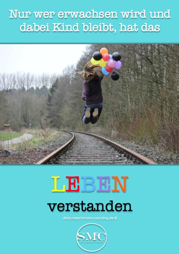 Springendes Kind mit bunten Luftballons. Bild mit Text.