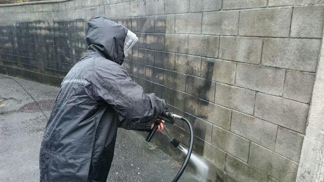 家の壁面高圧洗浄