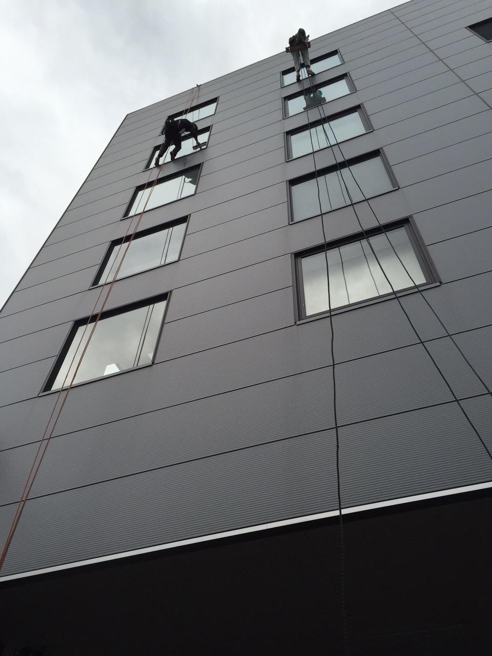 ビル・マンションの窓ガラス清掃