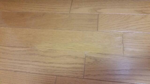 床の黄ばみ