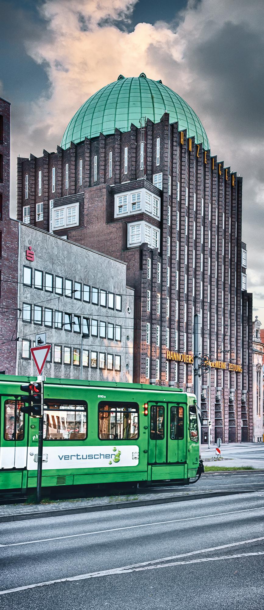 Hannoversche Allgemeine Zeitung, 65 x 150 cm  ·  Leinwand auf Keilrahmen: € 660,- · Aludibond: € 810,- ·Acrylglas auf Aludibond: € 980,-  · © Stefan Korff