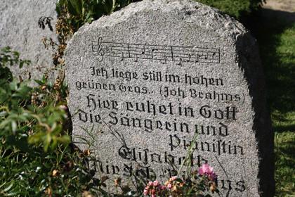 Warum ist Musik fester Bestandteil fast aller Trauerfeiern?
