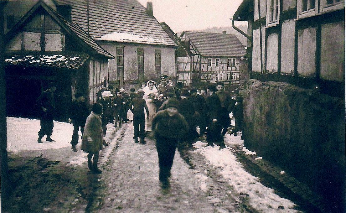 1942 Hochzeit im Krieg - Kinder hemmen