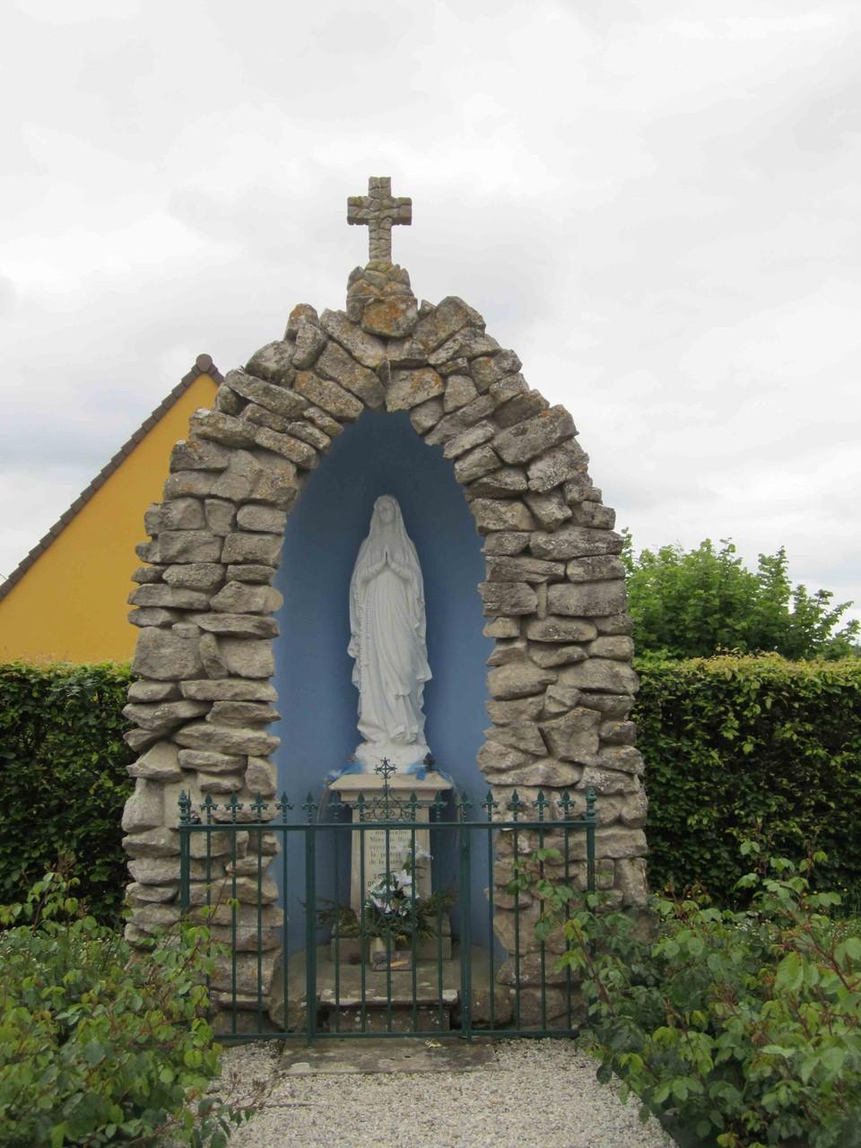 Grotte à Notre-Dame de Lourdes