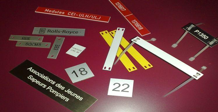 Divers étiquettes en alu, metallex et gravoply