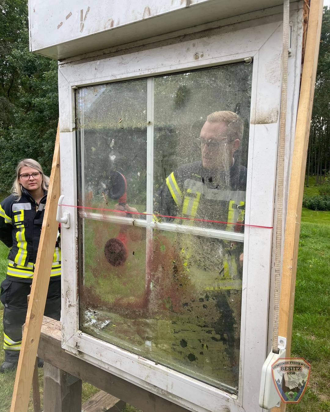 Notfallöffnung von Fenster und Türen auf dem Programm