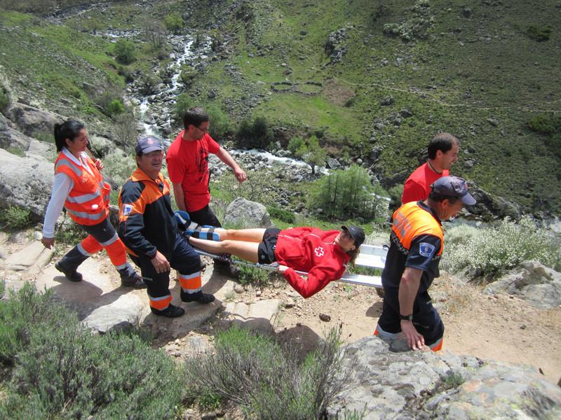 Evacuación de Cruz Roja y Protección Civil