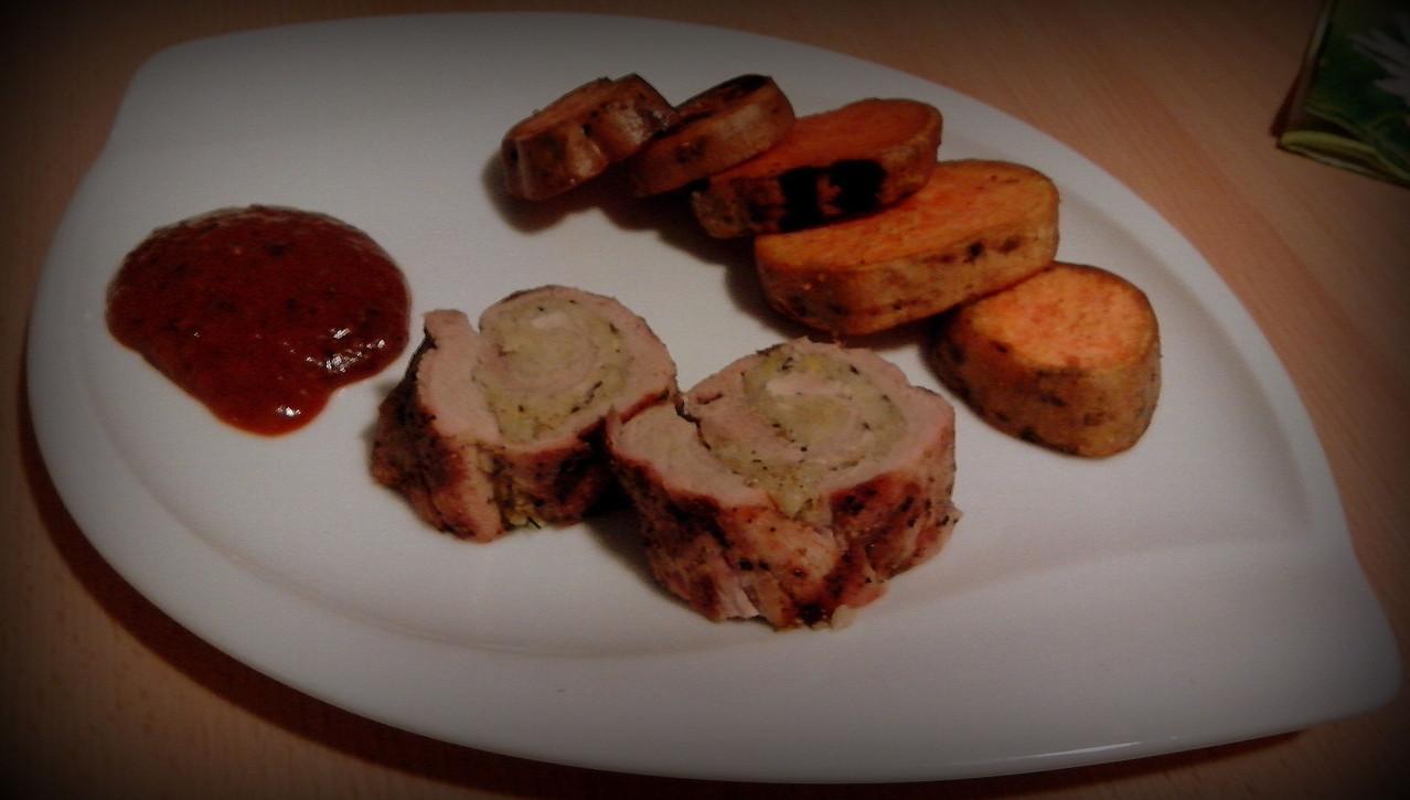 Gefülltes Schweinefilet mit Süßkartoffeln und Red Creole Sauce