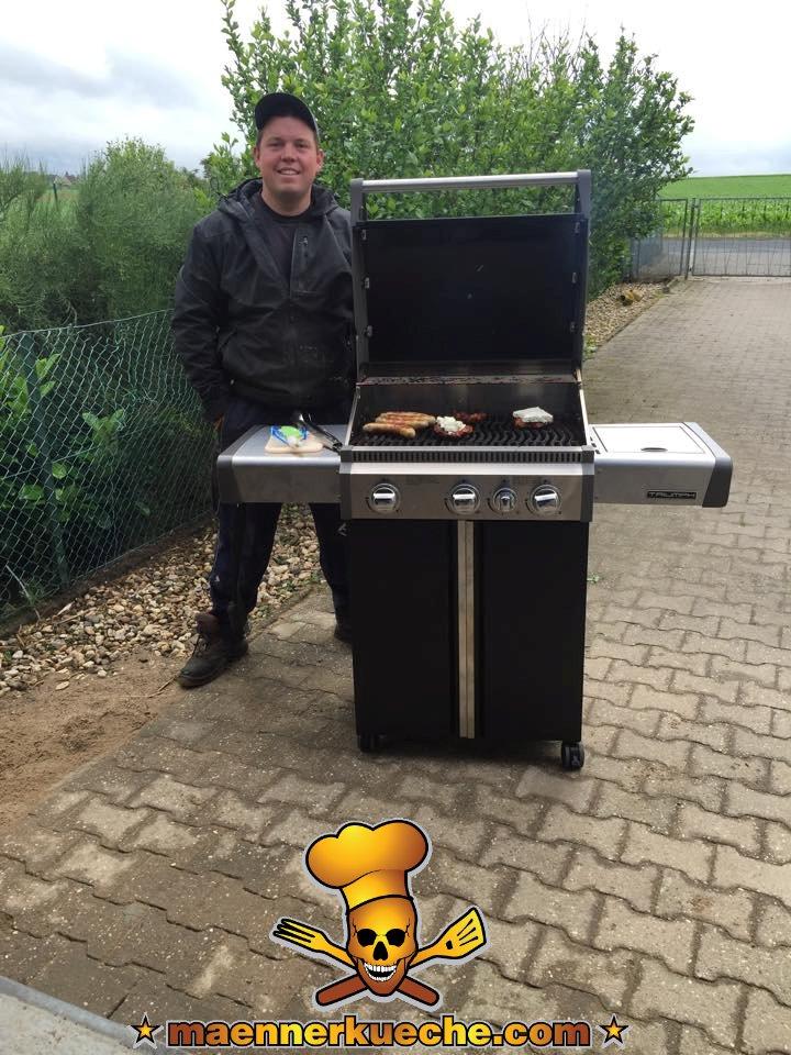 """Henrik, bekannt aus diversen Fernsehsendungen wie """"Ab ins Beet"""", """"Die Beet-Brüder"""" oder """"Einmal Camping, immer Camping"""" auf VOX"""