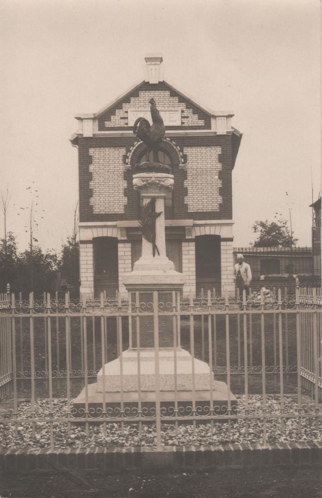Le Monument aux morts (collection particulière)