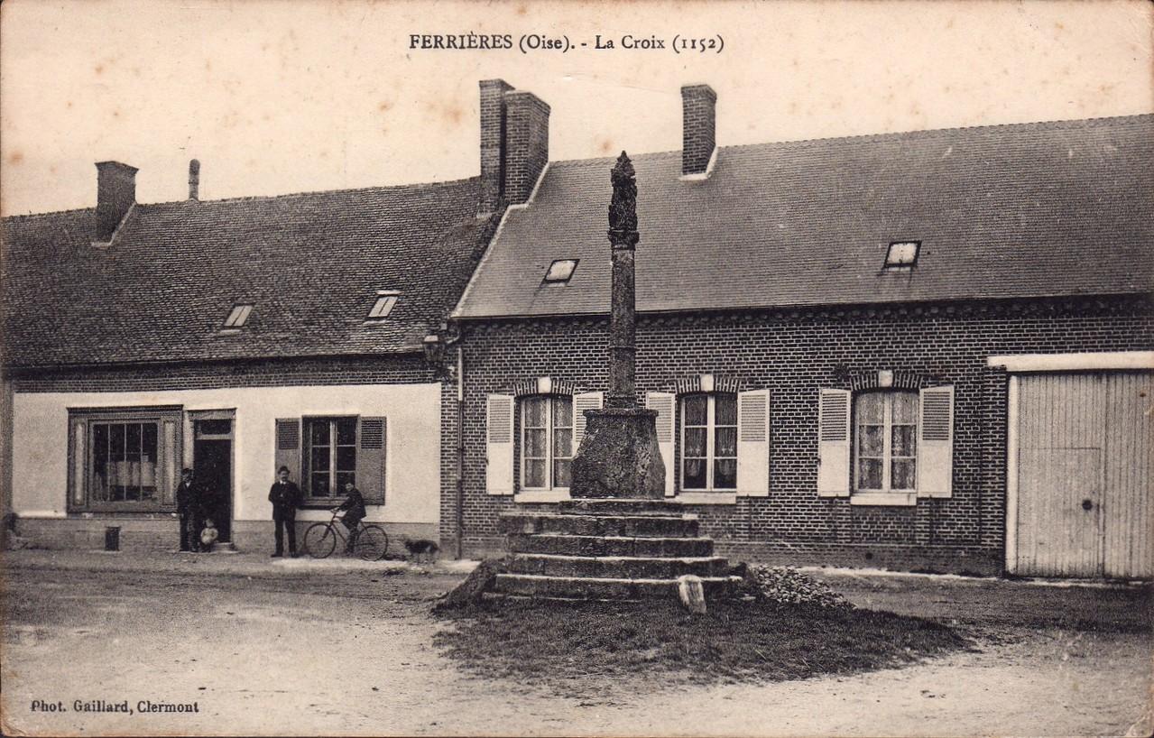 La Croix - angle rue Placide Navarre et rue de la Croix (collection particulière)