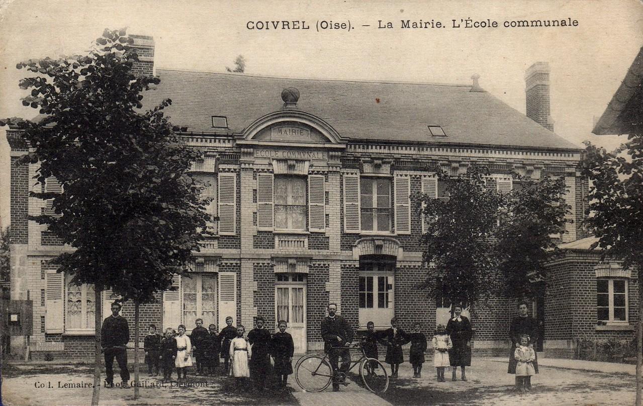 La Mairie. L'Ecole communale (collection particulière)