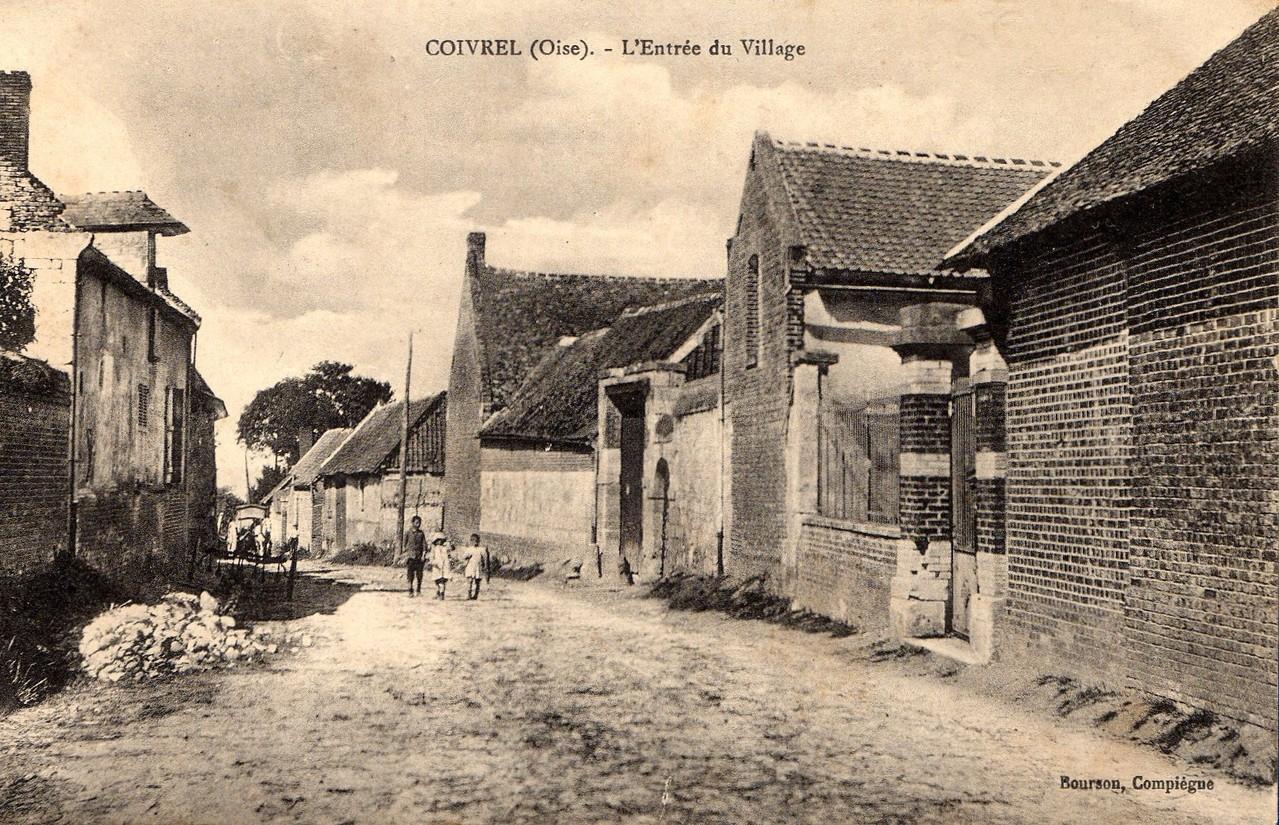 L'Entrée du Village - aujourd'hui Grande Rue (collection particulière)