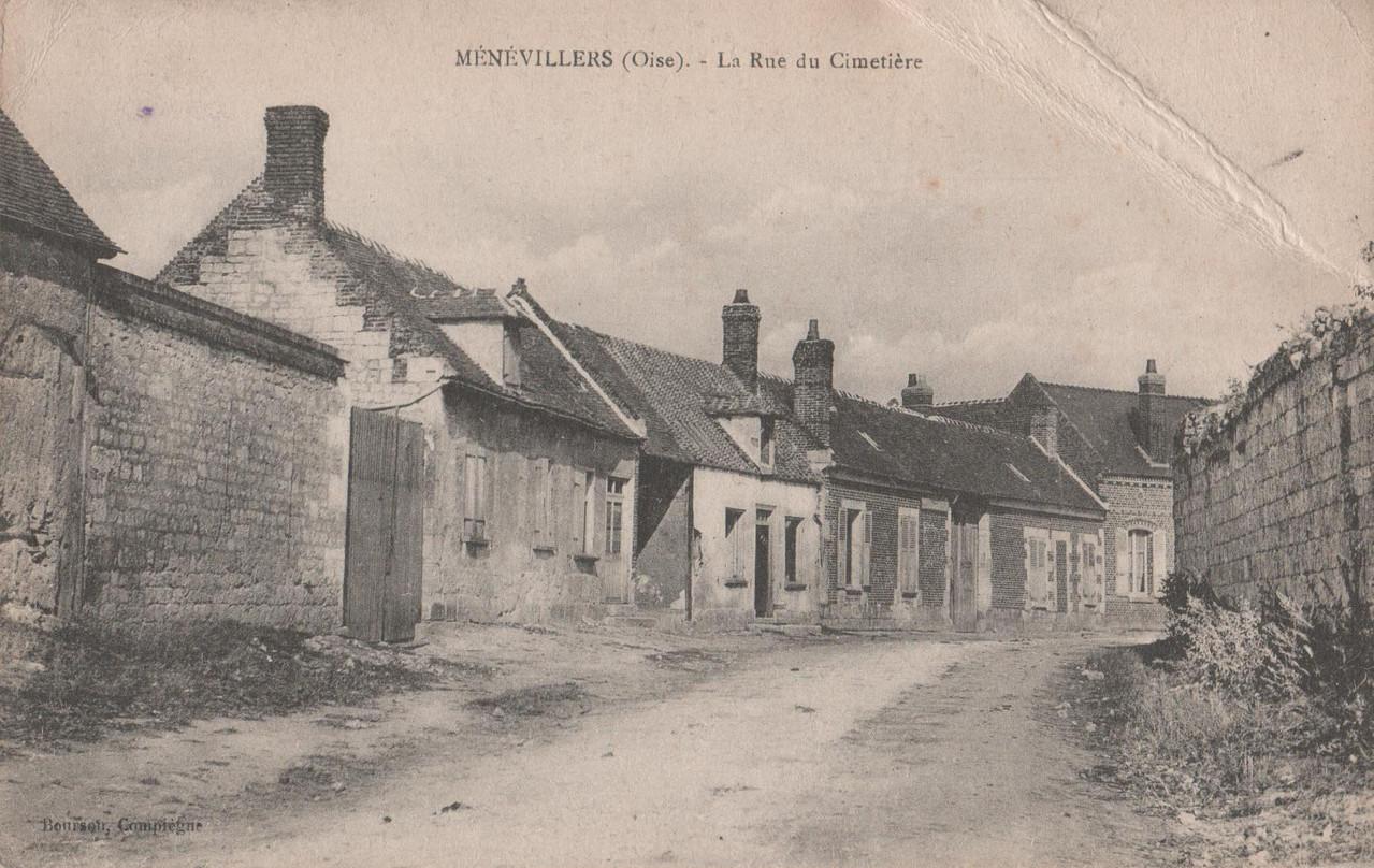 La Rue du Cimetière - aujourd'hui rue de Wacquemoulin (collection particulière)