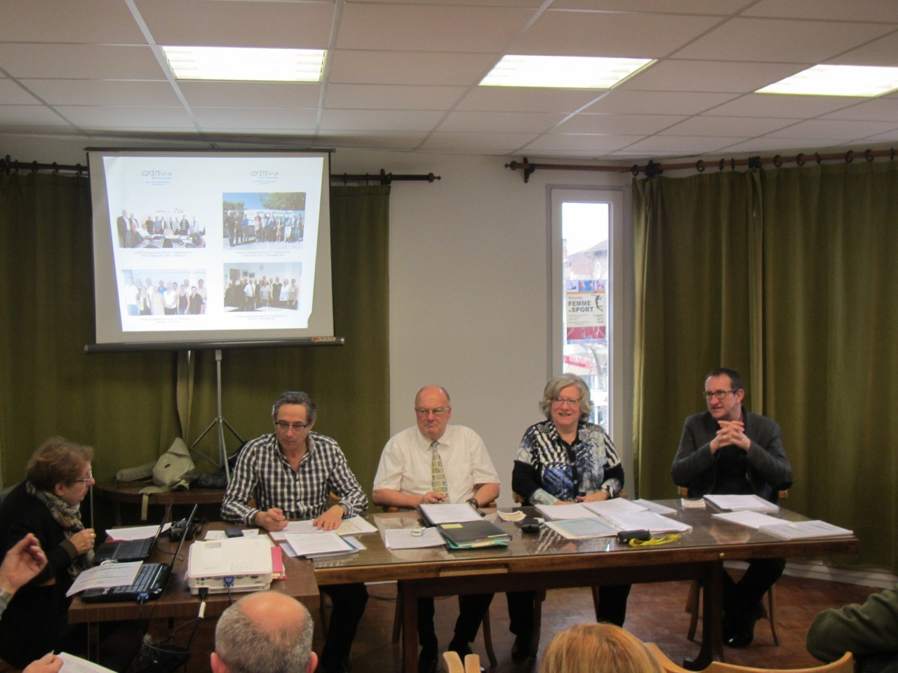 Pierre-Jean Veyret, Yolande Saint-Claire, Robert Dupont, Patrick Poux, Christianne Chalias.