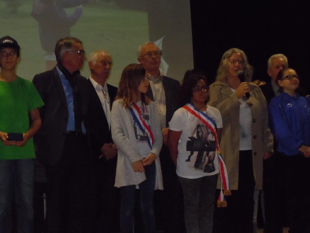 Y. Saint-Clair avec le Conseil Municipal Enfants au Mérite