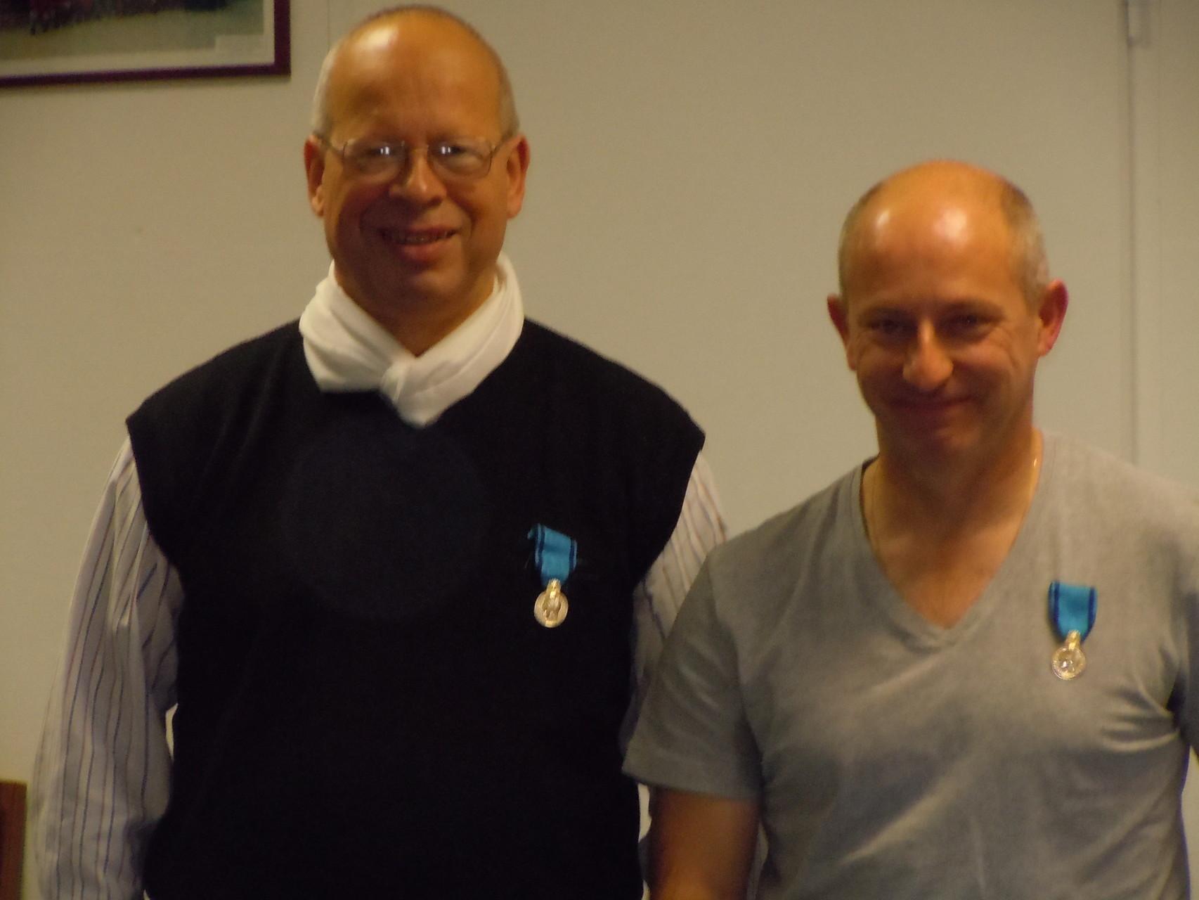 Deux médaillés de bronze heureux -
