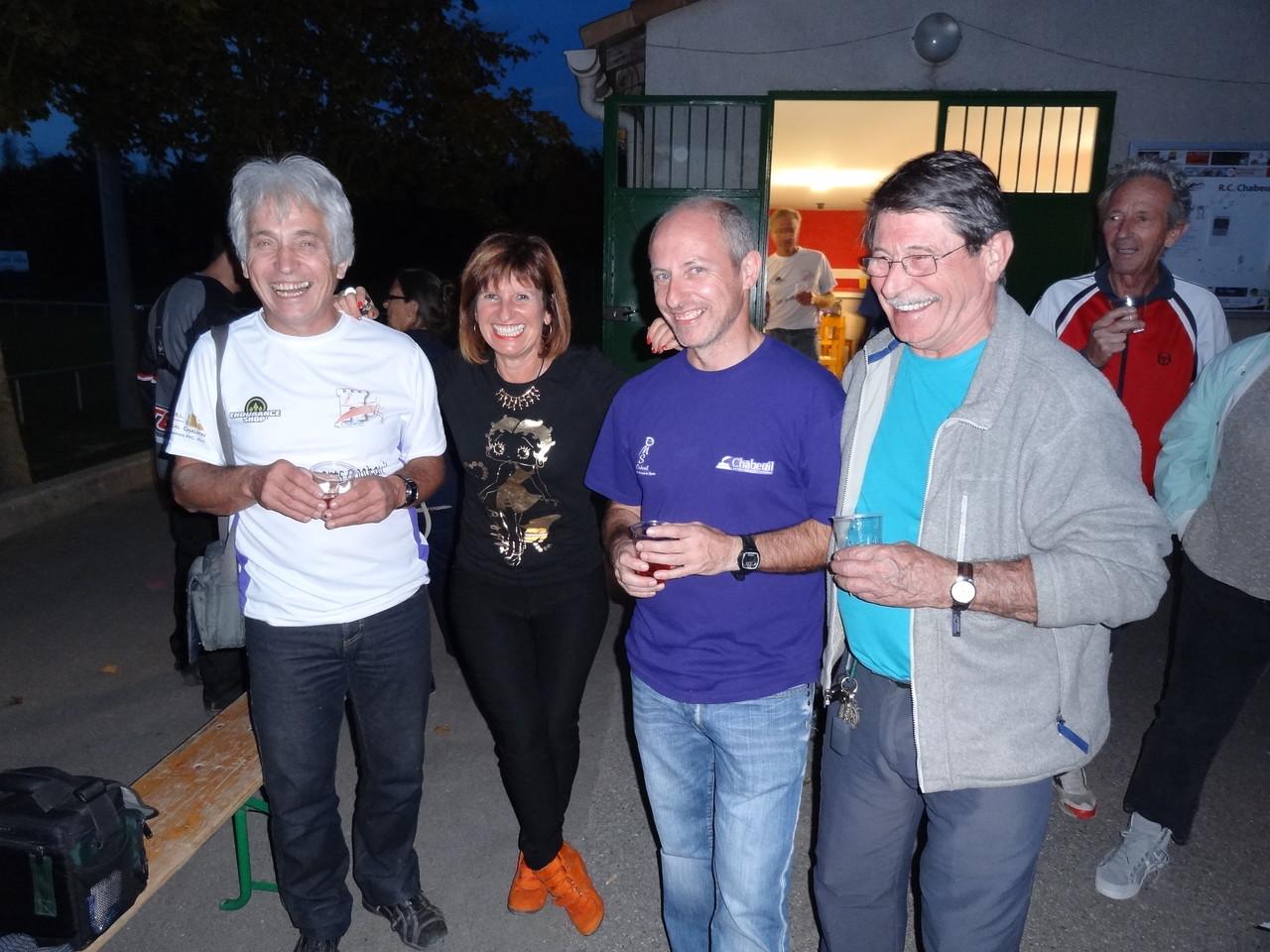 3 Président, une secrétaire,de gauche à droite: Robert Joux président de 2006 à 2009, Ginette depeisse secrétaire, Florent Monzonis président depuis 2009, Max Gay président avant 2006.
