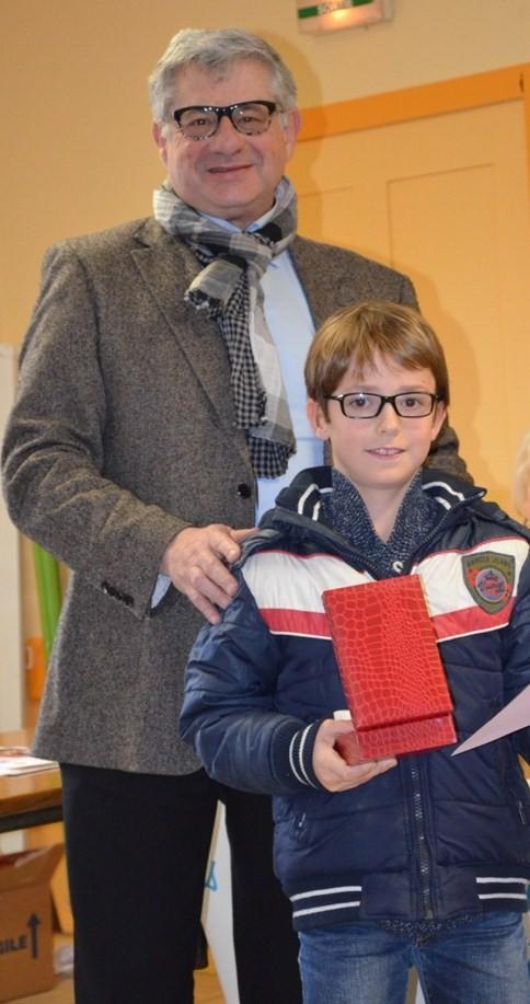 Trophée remis  par Hervé Chaboud à Jules Ponsot