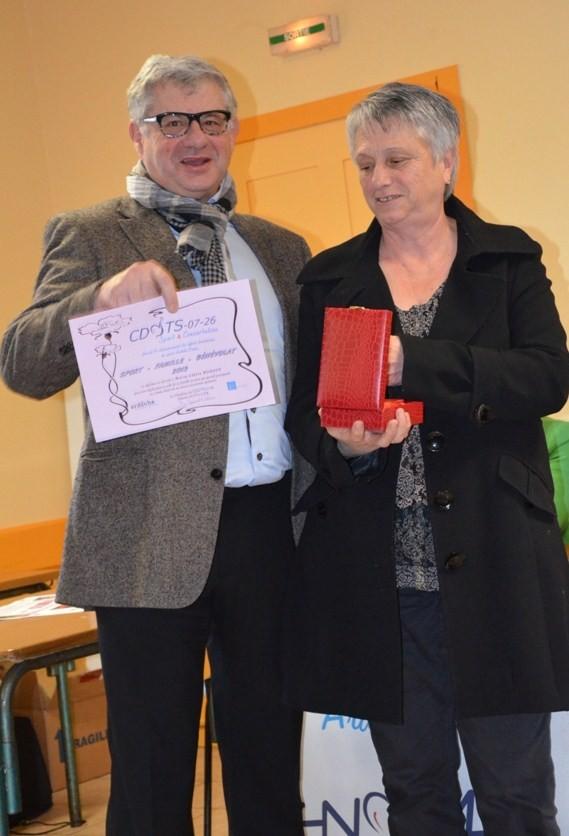 Trophée remis à Marie-Claire Ponsot