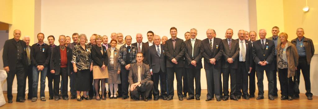 L'ensemble des médaillés bronze, argent et or honorés le 4 novembre 2011 à Anneyron