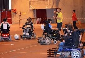 Foot à 5 handisport à la salle Chaban Delmas.