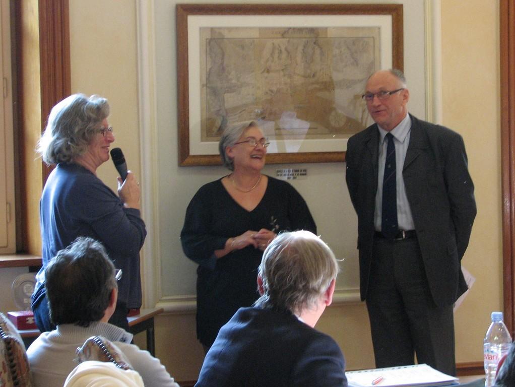 """Remise du trophée """"Une Ville-Un Office"""" 2011 à l'OMS de Guilherand-Granges et à la Ville de Guilherand-Granges"""