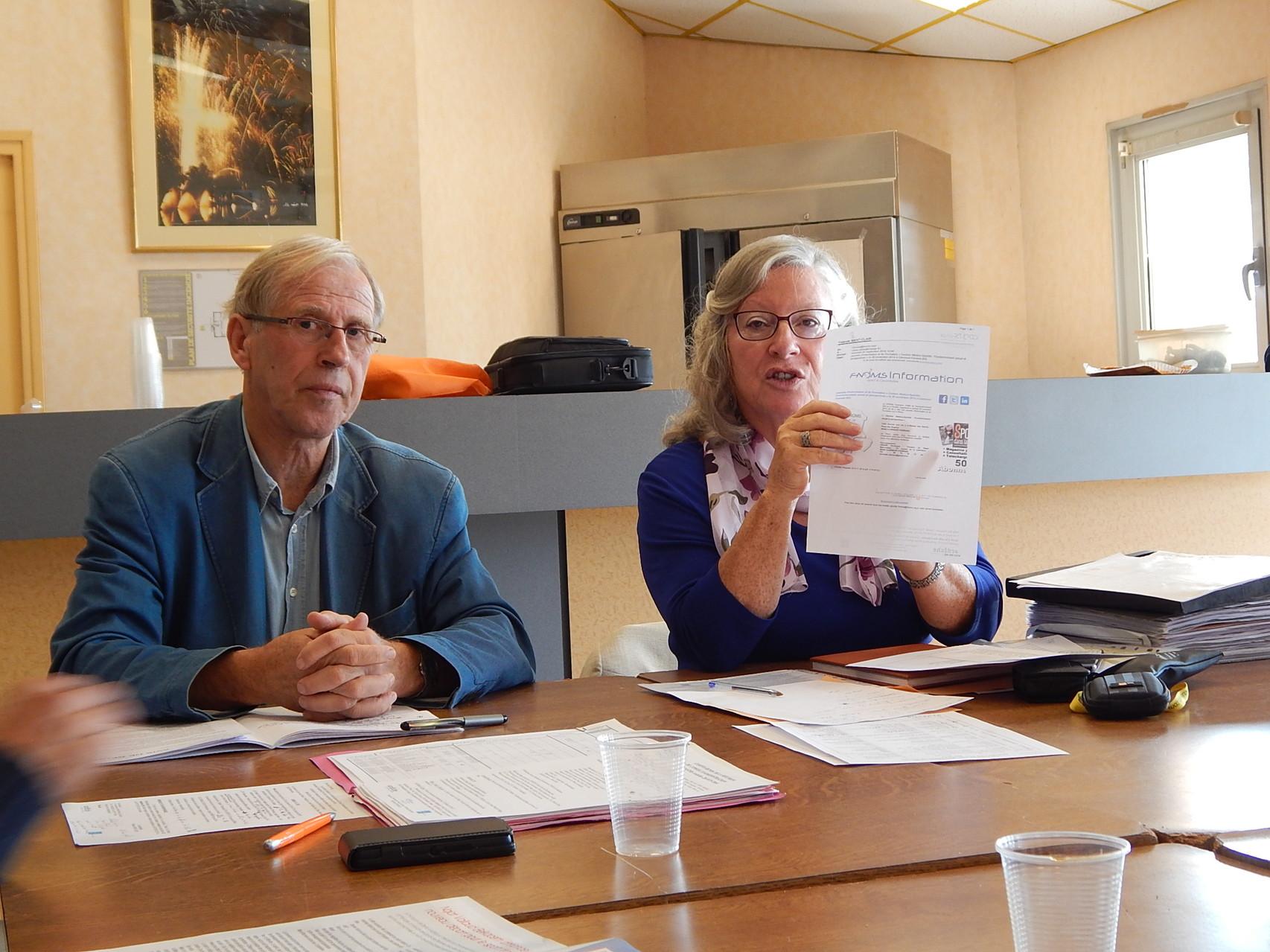 CA du CDOTS 07-26 à La Roche de Glun JL MAHUET président du CROMSRA et Y. SAINT-CLAIR présidente du CDOTS 07-26.