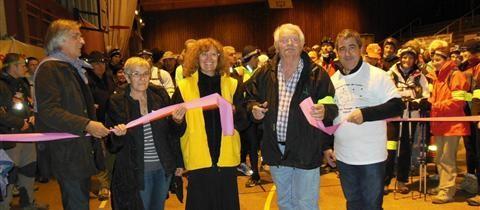 Daniel SABAS adjoint aux sports de Bourg de Péage, les représentantes de la ligue contre le cancer, Gérard Morel président de l'OSCP et Patrick Bodoin adjoint aux sports de Romans.