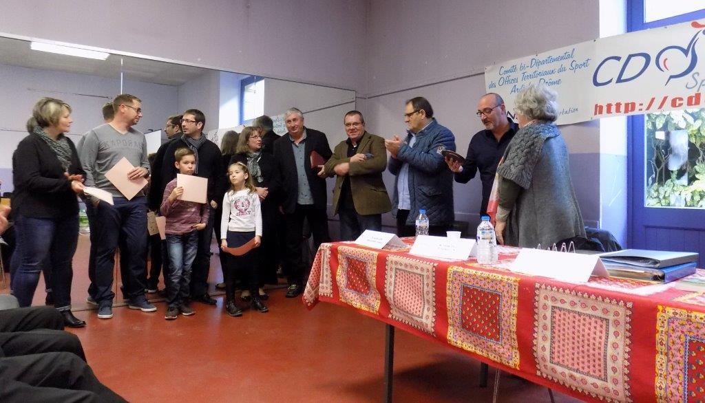 J.PMaubert reçoit son deuxième trophée pour l'OMS
