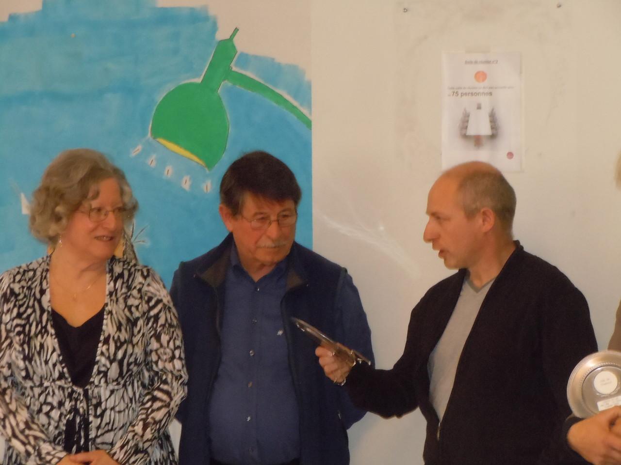 Trophée Une Ville Un Office remis à M. Monzonis président de l'OMS de Chabeuil