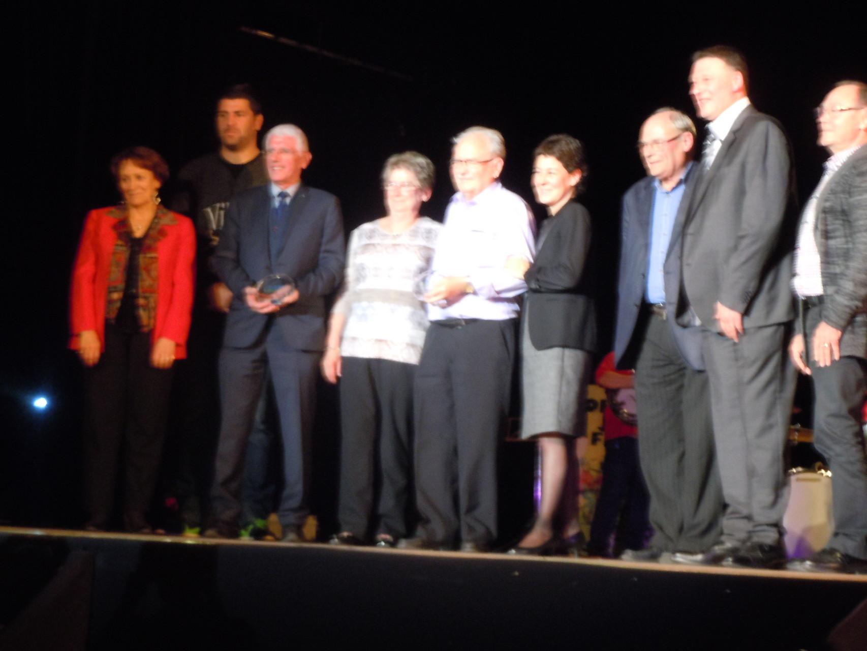 Récompense remise  à Réné Morel pour toutes ses activitées bénévoles