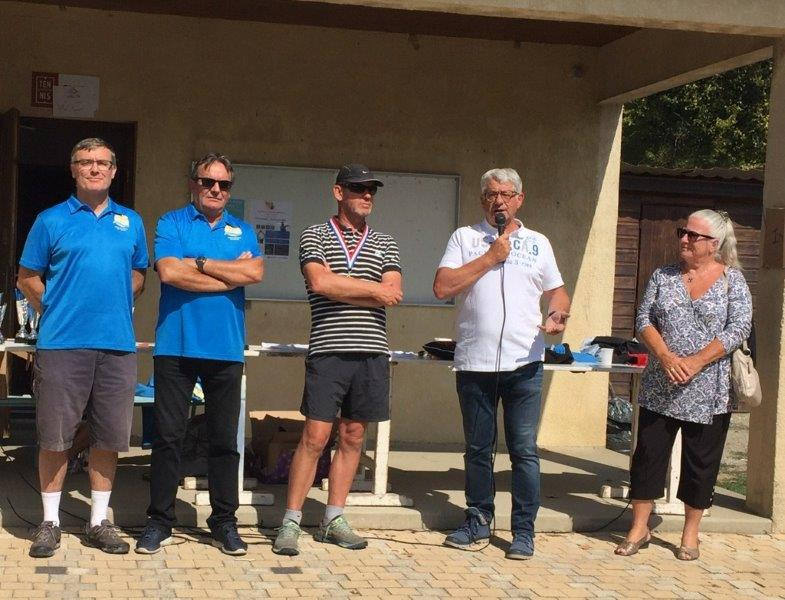 Triathon à La Roche de Glun- H.Chaboud remercie les organisateurs de l'OMS