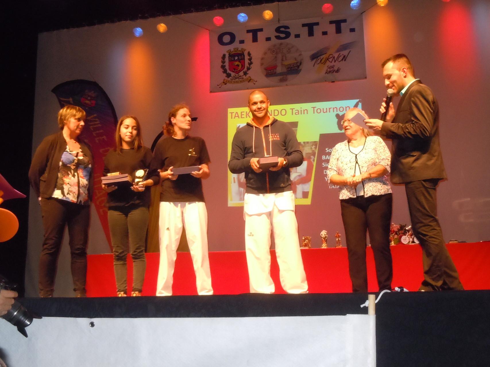 Participation à la Remise de récompenses au Taekwondo par Y.SAINT-CLAIR
