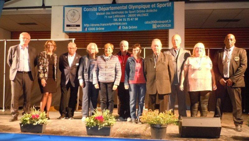 Des dirigeants récompensées par  J.P.Macak, Mmes Chazal et Saint-Clair