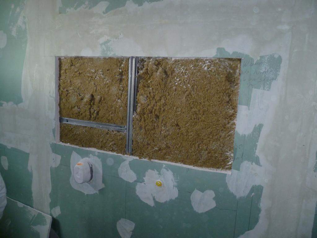 WC Vorbau befüllt mit Mineralwolle