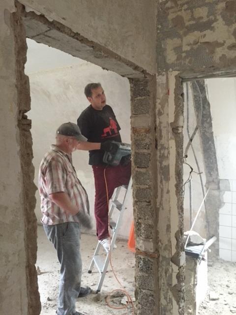 Mein Schwiegersohn, weitere Helfer und Ich haben von Oktober bis Februar das gekaufte Haus umgebaut.