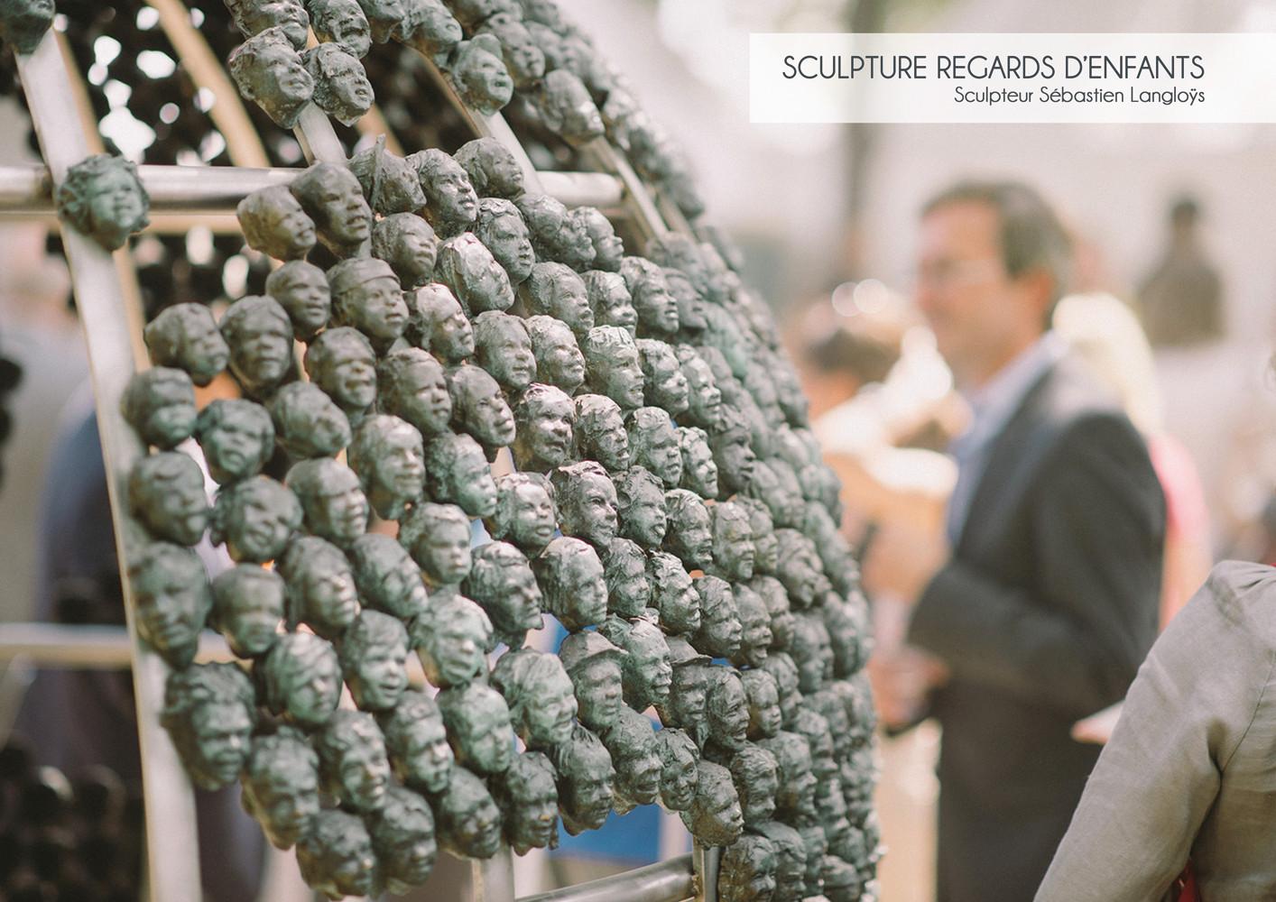 Sculpture monumentale Regards d'Enfants, par Sébastien Langloÿs
