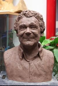 Buste Pierre Perret, sculpteur Langloÿs