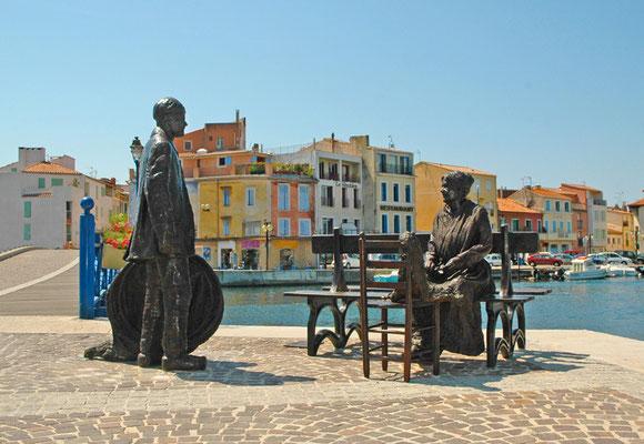 Groupe statuaire en bronze Le Pêcheur et la Ramendeuse, à Martigues, Sculpteur Langloÿs