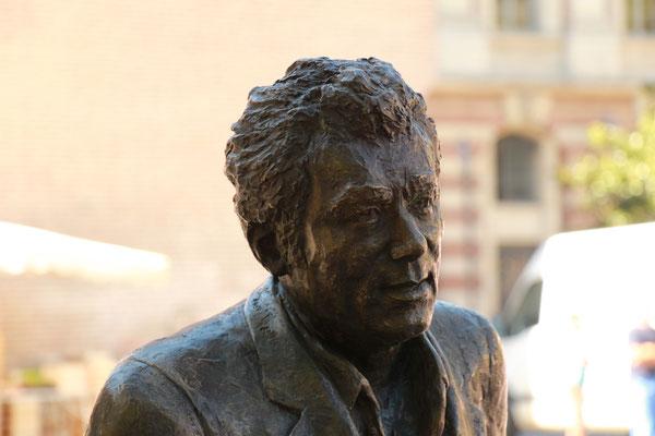 Sculpture-buste-statue-bronze-sulpteur-Langloys-Claude-Nougaro
