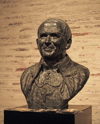 Sculpture-buste-statue-bronze-sulpteur-Langloys-JeanPaulII-BasiliqueSaintSernin