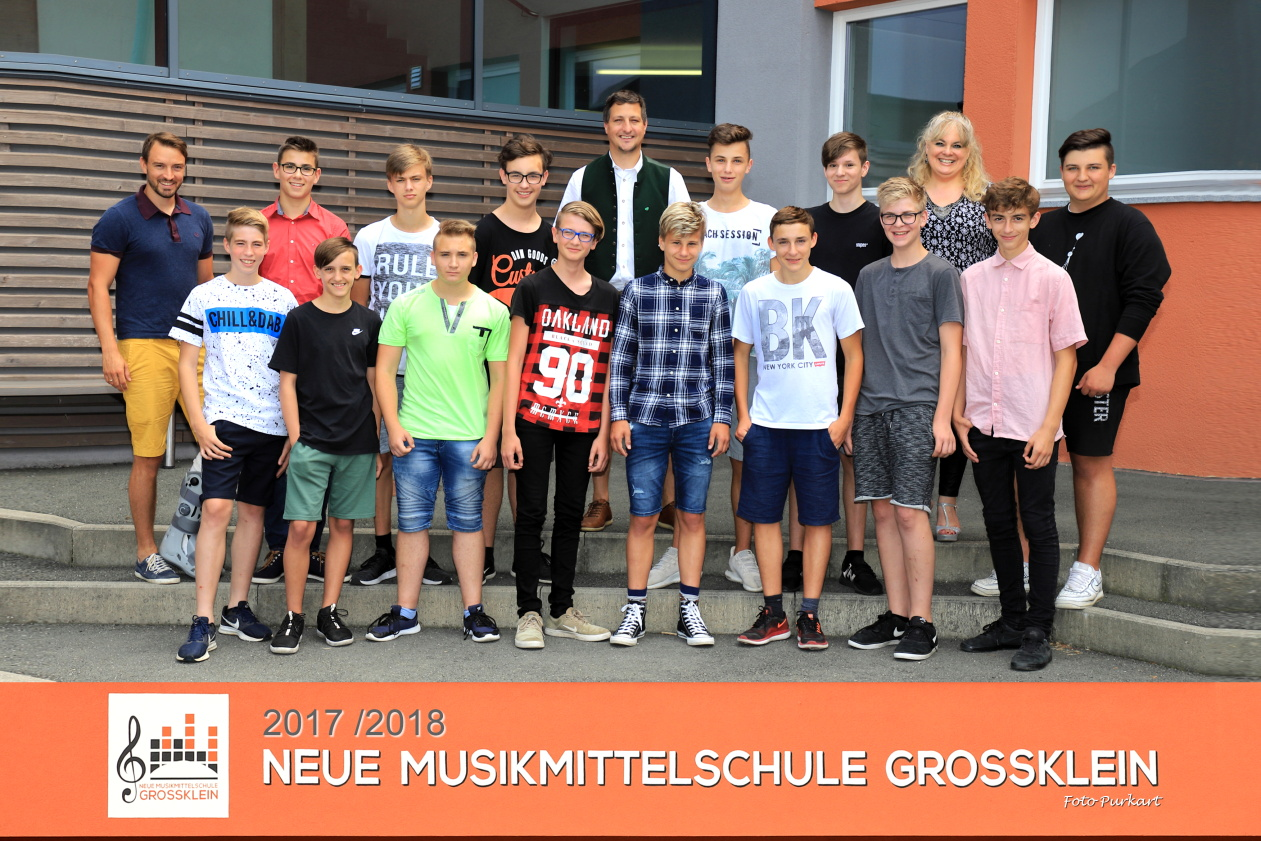 4.b Klasse (Fußballklasse) KV: Kammerhofer Stefan, Draxler Alexandra