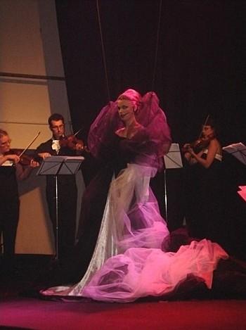 Spectacle privé à l'opéra.