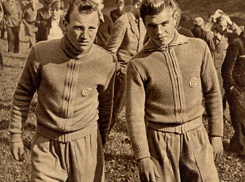 Uwe Seeler (à gauche) et Stürmer lors d'un rassemblement de la sélection en 1954.
