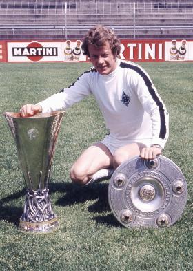 Saison 74-75 : le doublé Bundesliga - Coupe UEFA