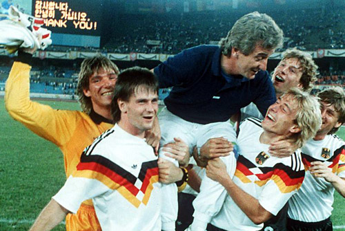 Hannes Löhr a mené, en tant que sélectionneur, la RFA à la médaille de bronze lors des JO de Séoul en 1988.