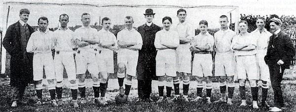 Le VfB Leipzig champion d'Allemagne 1906 (Riso est le troisième à partir de la gauche).